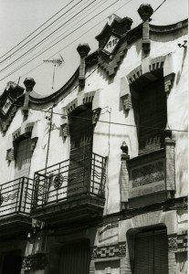 Ref. 9655. Fot. Esther Pareto. Carrer carril, 20-22. 2000. AMMR